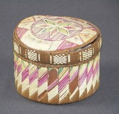 box :  First Nations; Mi'kmaq c 1875 dyed and natural porcupine quill, birchbark, spruce root and wood 11 cm x 16 cm x 16 cm Emma Carleton Jack Memorial Collection, gift of E. Portia MacKenzie, 1962 (10540 )