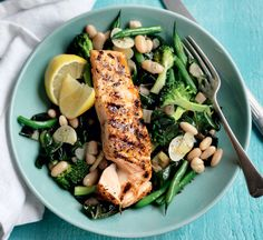 Add a twist to your fish dishes and infuse some French flavourings with this healthy, waist-line friendly cajun salmon recipe. Dinner Recipes For Kids, Healthy Dinner Recipes, Kids Meals, Healthy Snacks, Healthy Eating, Healthy Dinners, Dinner Ideas, Healthy Chicken Recipes, Salmon Recipes