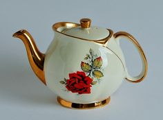 Gibson Red Rose Vintage Teapot