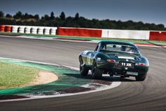 Jaguar E-Type at Oldtimer Grand Prix Grand Prix, Jaguar E Type, Laptop Wallpaper, Aston Martin, Vintage Cars, Race Cars, Racing, Britain, Blood