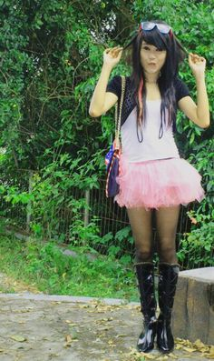 Scene style, with short tutu skirt, and pink hairclip