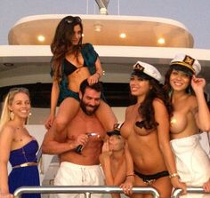 This Millionaire Playboy Is The Most Interesting Man On Instagram | Dan Bilzerian is a living legend.