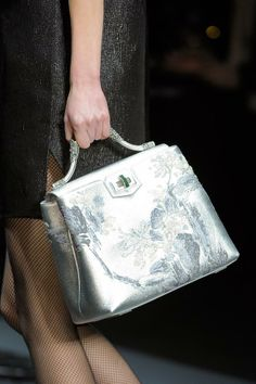 shiatzy-chen-details-autumn-fall-winter-2014-pfw