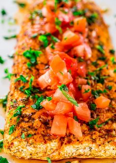 With this baked lemon garlic halibut, clean eating never got any easier. In 25 minutes you& got yourself a delicious piece of halibut fish baked to perfection in a lemon and garlic marinade. Fish Recipes, Seafood Recipes, Cooking Recipes, Healthy Recipes, Baked Halibut Recipes, Cooking Fish, Protein Recipes, Cooking Videos, Barbecue