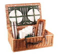 or 6 person Luxury Picnic Hamper; The Somerset from Amberley Hampers