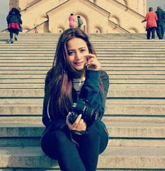 Tips For Taking Digital Photography Mahira Khan Photos, Stylish Girl Pic, Pakistani Actress, Asian Fashion, Women's Fashion, Fashion Outfits, Indian Designer Wear, Celebs, Celebrities