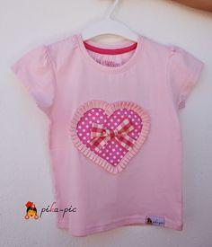 www.pikapic.es Camiseta niña corazón de lunares