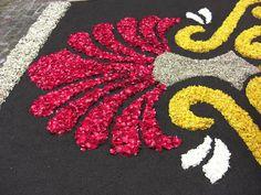 Flower Garland Wedding, Flower Garlands, Flower Decorations, Wedding Decorations, Rangoli Designs Diwali, Diwali Rangoli, Kolam Designs, Flower Arrangement Designs, Flower Designs