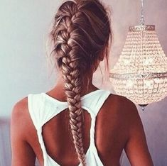 Simply love this look! Get your dream, gorgeous, healthier hair this Fall with #hairburst!