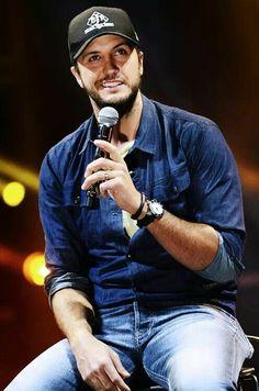 Sheer country boy perfection...Luke Bryan. Hubba!