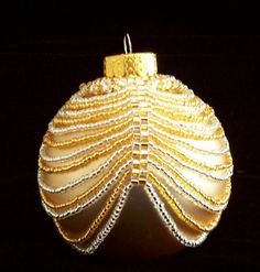 Ornament Cover Christmas Ornament Silver and Gold Cover: Beading Tutorial Gold Ornaments, Christmas Ornaments To Make, Beaded Ornaments, Handmade Christmas, Christmas Crafts, Christmas Bunting, Gold Christmas, Beaded Ornament Covers, Christmas Cover
