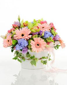 No matter what the occasion, find the perfect gift from NetFlorist's extensive range of gifting ideas. Easter Flowers, Mothers Day Flowers, Flowers Singapore, Order Flowers Online, Amazing Flowers, Flower Vases, Bouquets, Seasons, Gift Ideas