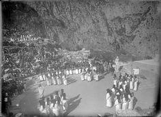 Αρχαίο Θέατρο Δελφών, Μάιος 1930