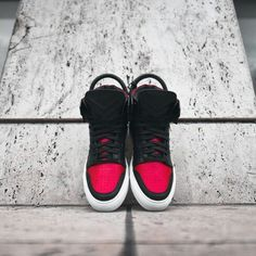 The Air Jordan 1 inspires Fieg's latest creation. Best Sneakers, Sneakers Nike, Buscemi, New Balance Sneakers, Jordan 1, Air Jordans, Kicks, Best Deals, My Style