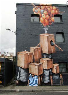 Pingando com a cor, sangrando pra fora da tela e muitas vezes derramando na calçada. Assim é a arte de Fintan Magee, australiano que não gosta nada de uma parede cinza.  Magee utiliza toda a superfície disponível, tornando isso, as vezes, até mesmo insuficiente. A analogia digital afasta-se do graffiti tradicional e habita os cantos isolado...
