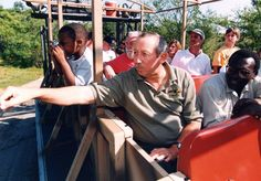 LOOK IT'S ROY E DISNEY ON SAFARIS also the truck doesn't have a cover I'm confused