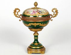 CONTINENTAL PORCELAIN BONBONNIER AND COVER - Auction Gallery of the Palm Beaches   Invaluable