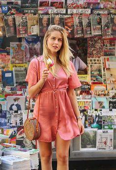 Valentina Ferragni. Photo Source: https://www.instagram.com/valentinaferragni Basket bag, woven bag, rattan bag, round bag, circle bag, summer bag, fall bag, handmade purses and handbags