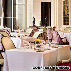 Al fresco dining at St Regis Singapore