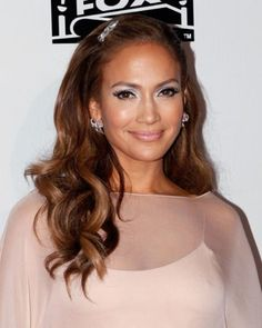 Top Jennifer Lopez Hairstyles Of All Times - Page 10 of 15 - Hairstyles Ideas Eva Mendes, Burgundy Lips, Golden Globes After Party, Nude Lip, Jennifer Lopez, Hair Trends, Business Women, Hair Color, Hair Accessories