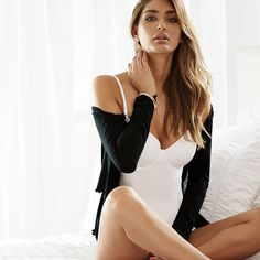 The Everyday by Intimo Cami Bra offers three in one – the support and shape of an invisible inbuilt underwire bra, a stylish, fitted, smooth camisole that moulds to the body and detachable straps that can be worn to create a standard, crossover or halter neck top.