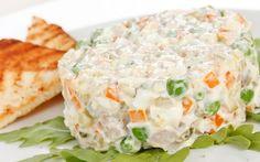 Cornete de sunca cu salata ruseasca