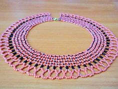 Free pattern for necklace Valencia Click on link to get pattern - http://beadsmagic.com/?p=5519