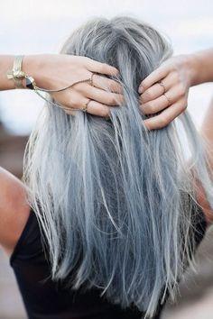 Long bob naturale con tinta grigio silver