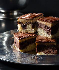 Πάρτε μια γεύση από το νέο μας τεύχος (Γλυκές Αλχημείες Νοεμβρίου), που κυκλοφορεί στα περίπτερα με αφιέρωμα στη Σοκολάτα! Cookbook Recipes, Cake Recipes, Dessert Recipes, Cooking Recipes, Cake Cookies, Cupcake Cakes, Cupcakes, Fruit Cakes, Polish Cake Recipe