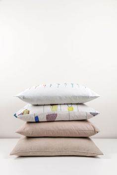 ZigZagZurich makes luxury bedding, duvet covers, curtains, throws and blankets, designed by artists using the finest quality materials made in Italy Luxury Bedding, Duvet Covers, Bed Pillows, Pillow Cases, Design, Pillows, Luxury Bed Linens