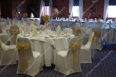 Reception in ivory and gold