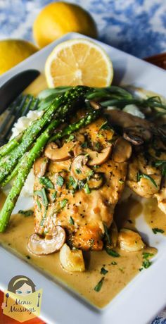 Pan Seared Chicken Breasts in Tarragon Cream Sauce - definitely date night worthy but simple enough for a busy work week, and your family will give it both thumbs up! Step-by-step photos! <3