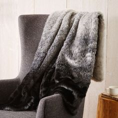 Bedroom: Faux Fur Seal Ombre Throw