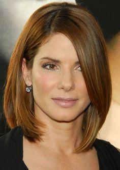idées coiffures pour cheveux mi longs, la coupe de Sandra Bullock