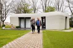First tenants move into 3D-printed home in Eindhoven Eindhoven, 3d Printed Building, 3d Printed House, Bungalow, Impression 3d, Casa Cook Hotel, Vincent Callebaut, Printed Concrete, Load Bearing Wall