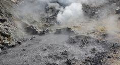 Um supervulcão localizado sob a cidade italiana de Nápoles pode estar despertando novamente – e pode estar perto de atingir um ponto de pressão crítico.
