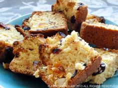 These coconut and cranberry rusks are easy to make and do not need overnight baking thereby saving you time and electricity. They are perfect for a tea time snack and to have in a lunch box. No Bake Treats, Yummy Treats, Sweet Treats, Buttermilk Rusks, Kos, Rusk Recipe, Healthy Breakfast Snacks, Quick Snacks, Hard Bread