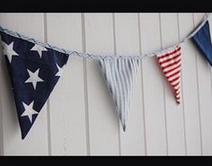 Stars and Stripes fabric bunting in New England Style Star Bedroom, Next Bedroom, Bedroom Red, Striped Nursery, Striped Room, Boy Toddler Bedroom, Boy Room, Kids Bedroom, Nursery Bunting