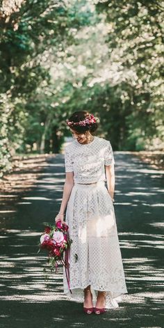 Wedding Dress Tight, Civil Wedding Dresses, Pretty Wedding Dresses, Tea Length Wedding Dress, Casual Wedding, Boho Wedding Dress, Lace Wedding, Wedding Dress Separates, Casual Bride