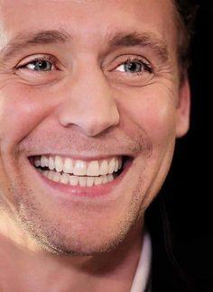Mostly Loki: Photo Thomas William Hiddleston, Tom Hiddleston Loki, British Men, British Things, Marvel Actors, Marvel Dc, Jeremy Renner, Chris Hemsworth, Beautiful Men