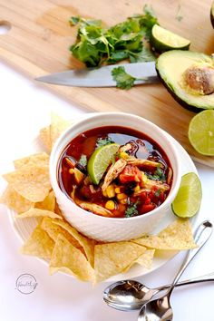 Instant Pot chicken tortilla soup is a delicious, quick and easy dinner that you can throw together in less than thirty minutes. - Chicken Tortilla Soup in the Instant Pot Instant Pot Pressure Cooker, Pressure Cooker Recipes, Pressure Cooking, Healthy Dinner Recipes, Soup Recipes, Simple Recipes, Chicken Recipes, Recipies, Cooking Recipes
