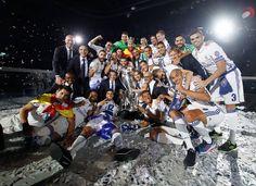 Fiesta de la Duodécima en el Santiago Bernabéu | fotos | Real Madrid CF Neymar Jr Wallpapers, Ronaldo Wallpapers, Fotos Real Madrid, Real Madrid Captain, Real Madrid Wallpapers, Santiago Bernabeu, Antonio Conte, Real Madrid Players, Cristiano Ronaldo Cr7