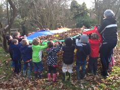 Parachute, leaves, small children = so much fun! Outdoor Education, Outdoor Learning, Early Education, Early Childhood Education, Outdoor Play, Forest School Activities, Autumn Activities, Preschool Activities, Outdoor School