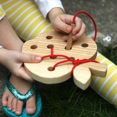 Apple agusanado™ cordón y enhebrado de juguete madera