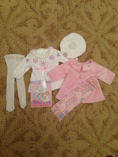 New American Girl Bitty Baby Hearts & Stripes Valentines Outfit (fits Bitty Twins too) new in original American Girl Bitty Baby box. Valentines Outfits, Holiday Outfits, Baby Box, Bitty Baby, Mermaids, American Girl, Coloring Books, Stripes, Dolls
