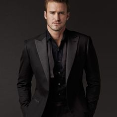 Chris Hemsworth Black Suit Black Shirt Black Tie | Fashion ...