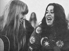 Joni and Cass Elliot, photo by Henry Diltz Kinds Of Music, Music Love, Music Is Life, Free Man In Paris, Henry Diltz, Carly Simon, Joan Baez, Mamas And Papas, Music Photo