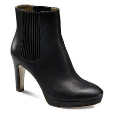Ecco Navoi Chelsea Boot - this boot is so crazy comfortable and easy to walk in! Looks great with black tights.