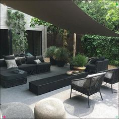 Eye-catching trend: black garden furniture - Own Home and Garden, You are always out of the sun under a shade cloth Under a damaged cloth you are always in the shadows # shade cloth # black The Pergola Patio, Diy Patio, Backyard Patio, Backyard Landscaping, Pergola Kits, Pergola Ideas, Patio Ideas, Cheap Pergola, Modern Pergola