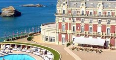 #Travel #Sea ELLEBeautyspot : le Spa Impérial de l'Hôtel du Palais à Biarritz | www.ShareMySea.fr Hotel Du Palais, Biarritz, Spa, Ocean, Mansions, House Styles, Travel, The Sea, Viajes